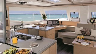 Fountaine-Pajot-Helia-026