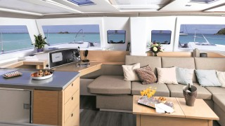 Fountaine-Pajot-Helia-071