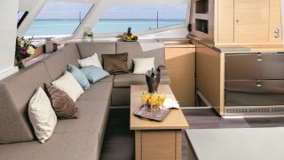 Fountaine-Pajot-Helia-097