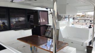 Cockpit tents gone, table varnished, fridges switched off