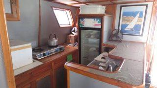 catamaran wood kitchen